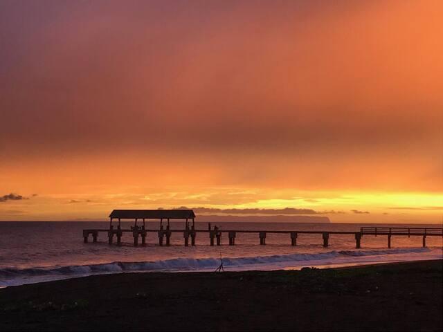 Waimea Pier!! Breathtaking!!!