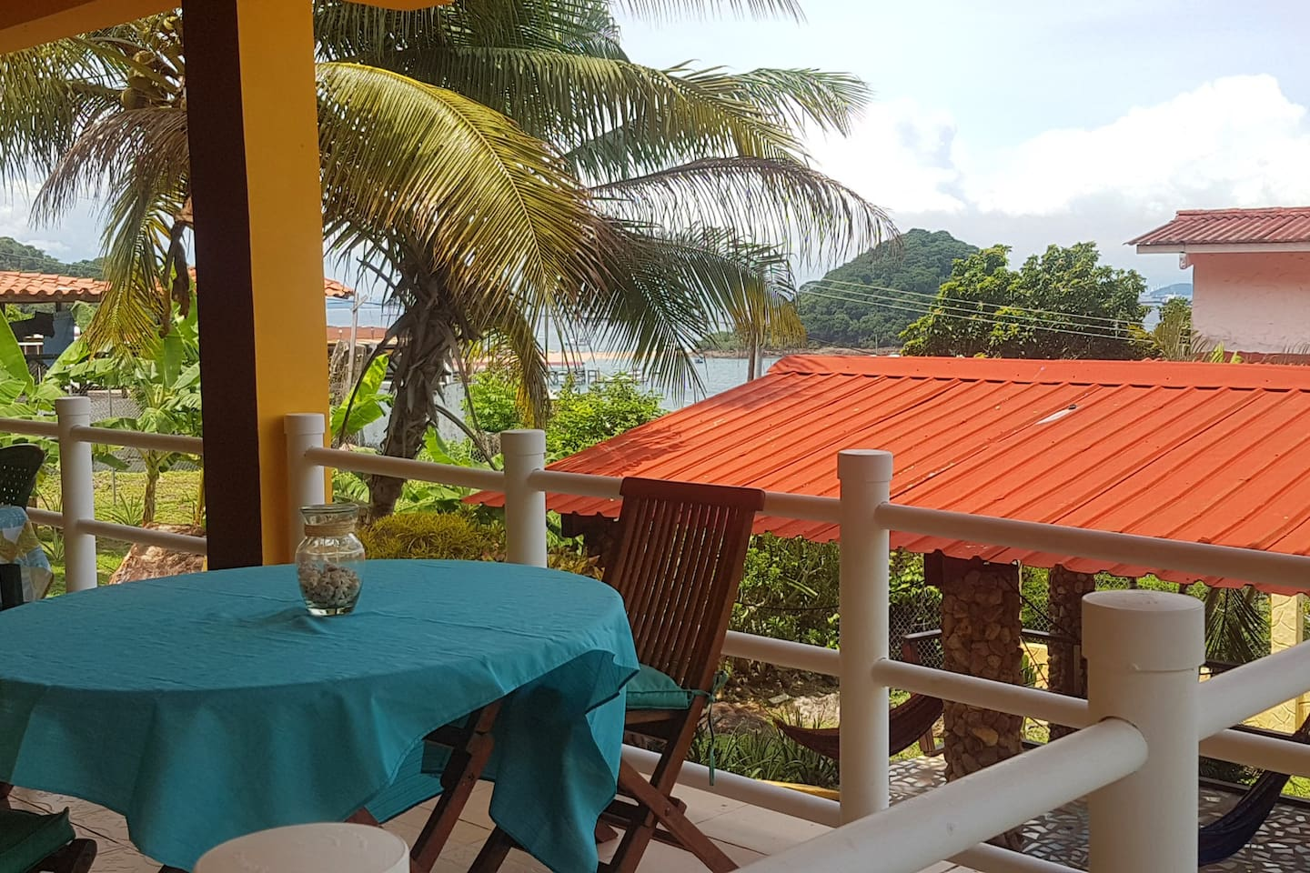 Mango Bed and Breakfast Lodge Restaurant & Social area