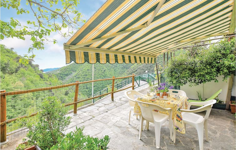 Holiday apartment with 2 bedrooms on 66m² in Zoagli