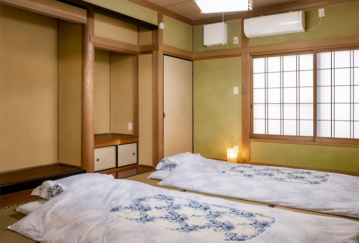 Japanese house with the spa / Private room (1)