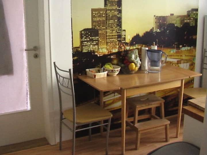 Kleines apartment  1 Zimmer, Küche, Bad