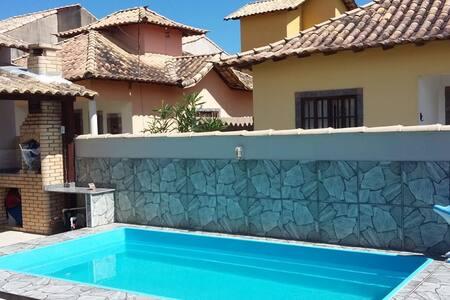 Casa de Praia com piscina   em Unamar Cabo Frio
