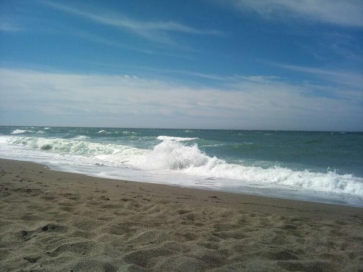 Apartamento en la playa espacioso y tranquilo