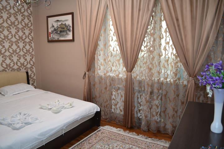 Отличная 2-х комнатная квартира, Бальзака 8Б, (05)