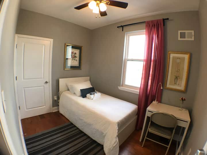 F7. Small and Quiet Bedroom w/ Shared Bath