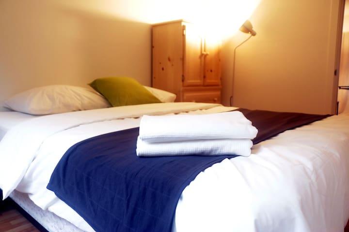 Craigmohr House Room 5