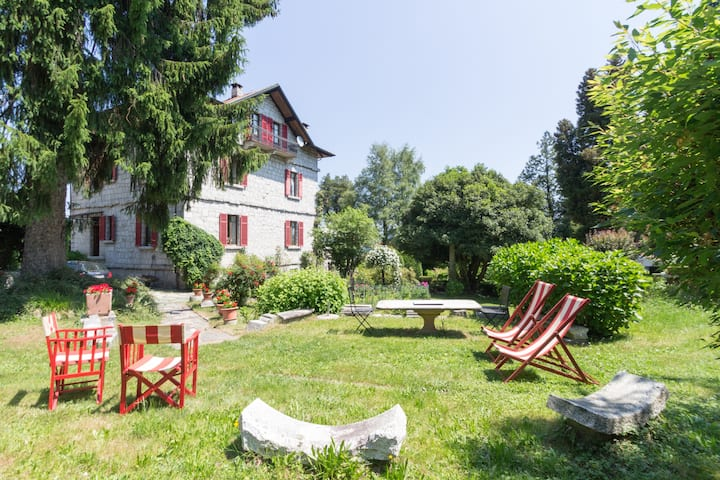 Orta lake. Villa Azelea. For sporty and romantic