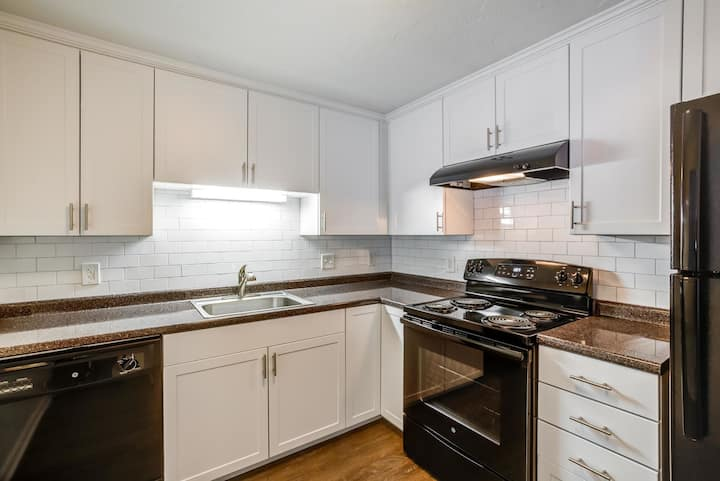 Clean apt just for you | 2BR in Randolph
