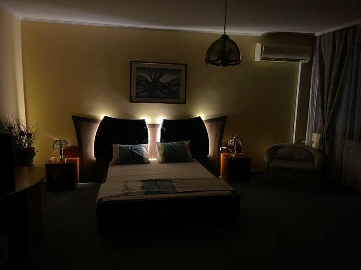 Хотел Сокол с безплатен паркинг и удобна локация.