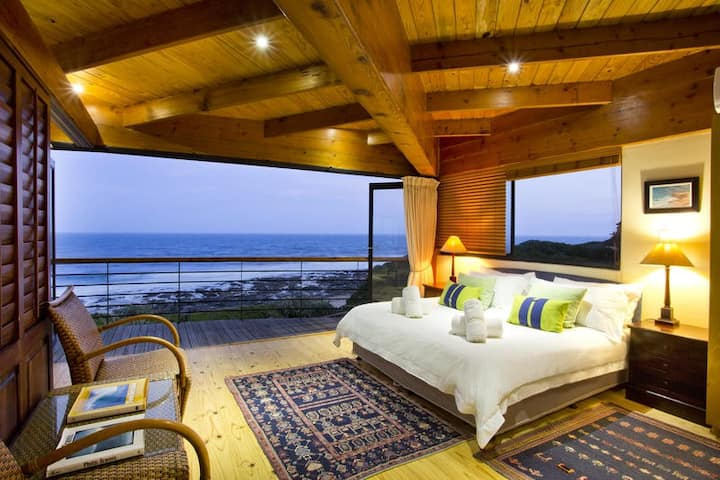 African Perfection 1: Room 9 - Penthouse Suite