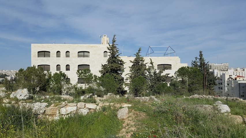 ACOR: Apartment & Research Center - Amman - Bed & Breakfast