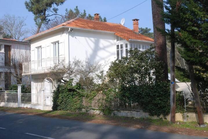 Villa de charme à 50m de la mer, face à Oléron