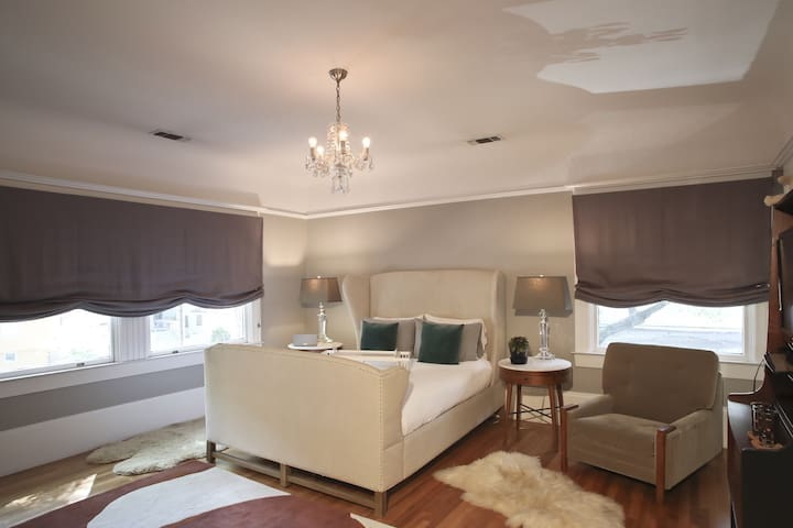 The Luxury Suite (Guest Room #1)