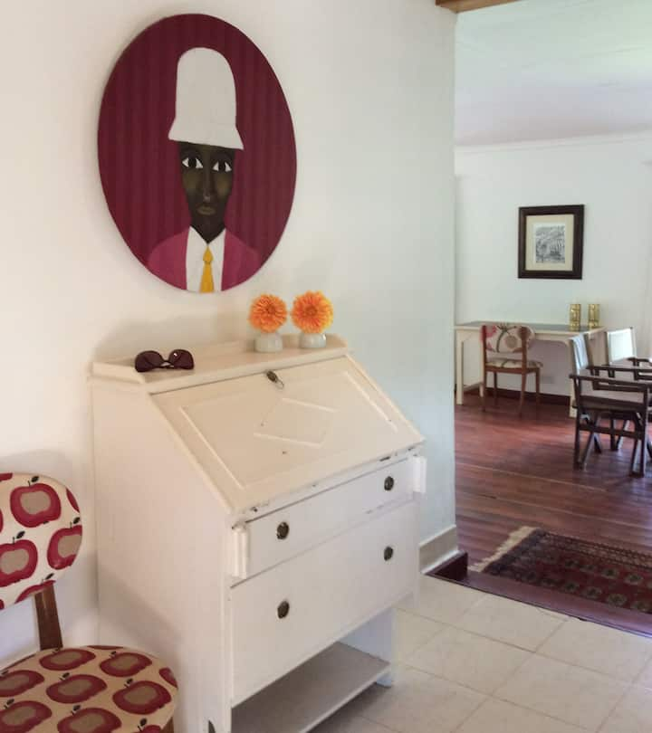 Mbagathi Cottage in tranquil garden with pool
