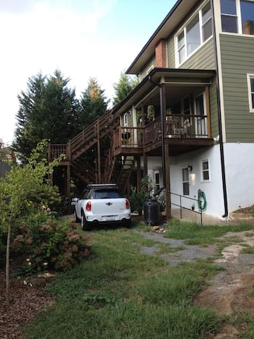 Private 2 Bedroom Apartment in Downtown W-S - Winston-Salem - Apartment