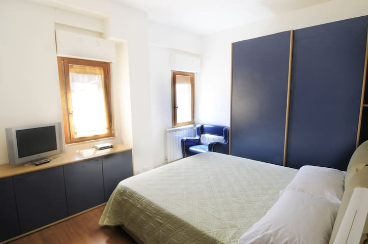 Gemelli & Cattolica - Cozy 1BR Apt for 4! NEW