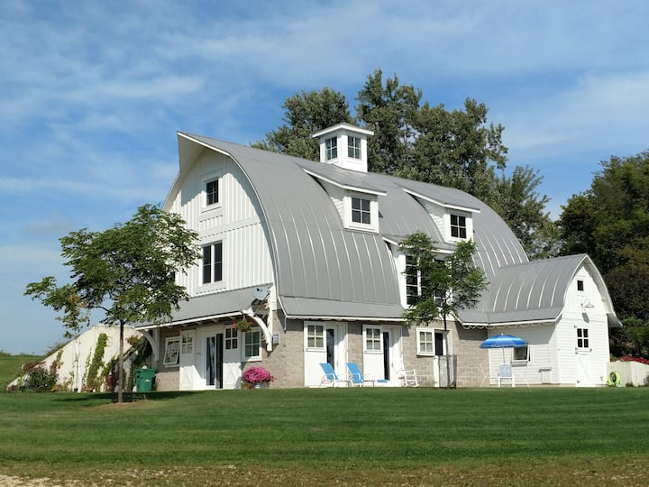 Maiden Rock Barn (Pine Creek Rustic Road)