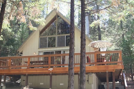 Chalet Cabin at Pine Mountain Lake - Groveland - Srub
