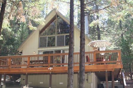 Chalet Cabin at Pine Mountain Lake - Groveland - Cottage