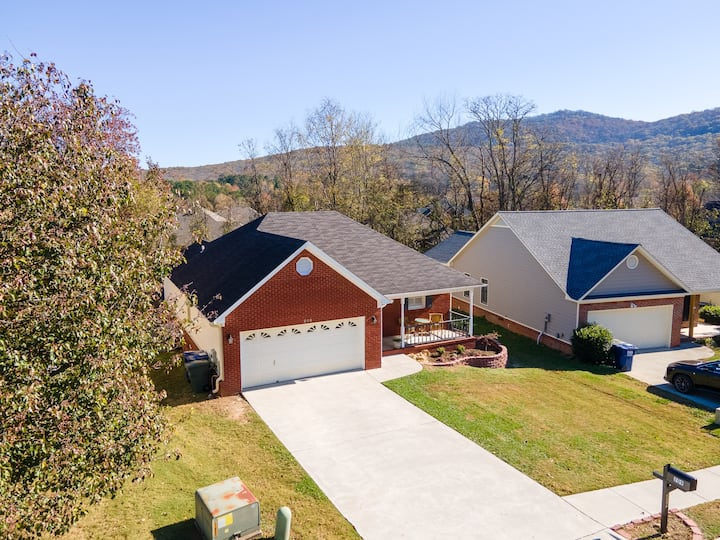 Huntsville home with mountain view