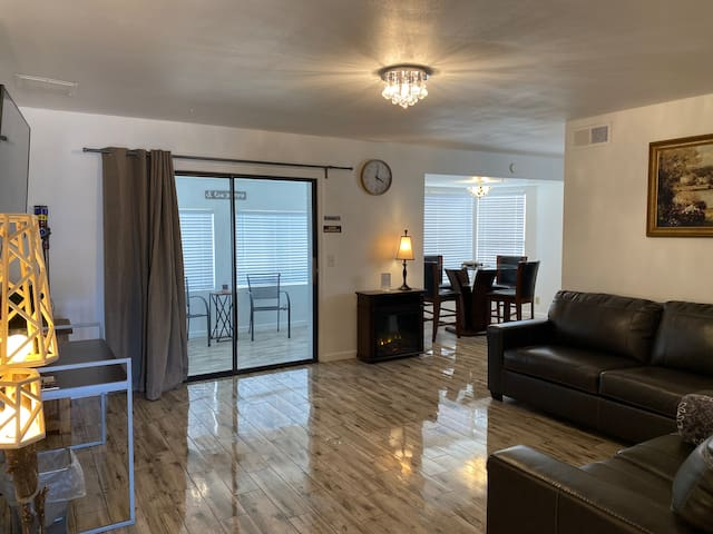 Tempe private room-SouthMountain-ASU-Airport-Brkft