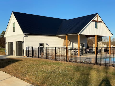 New Construction Guesthouse in Davidson