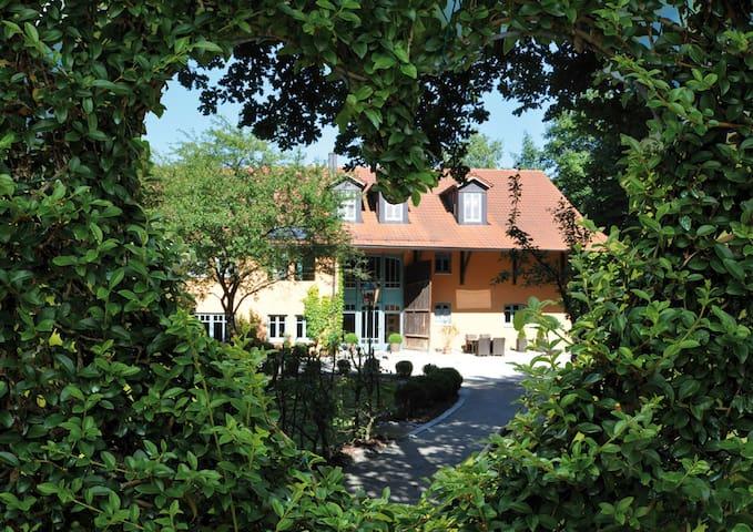 Lauprechts-Romantik (Kirchham), Romantisches Luxus-Apartment (60qm) mit Whirlpool