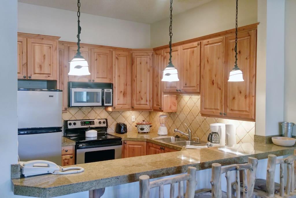 Beaver Creek West Condo #15 kitchen with breakfast bar