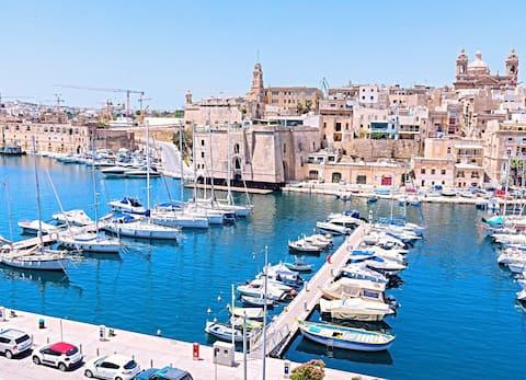 Vittoriosa direkt am Meer Hochmöblierte Wohnung FL2