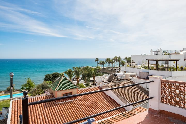 room in a house with sea views - Nerja - Casa