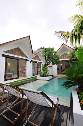 View on the 3 bungalows