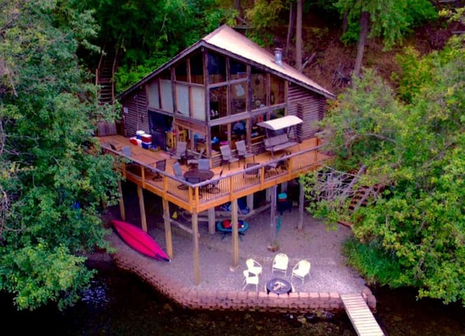Lakefront Rustic Log Cabin on Lake Coeur D' Alene! - Harrison - Apartment