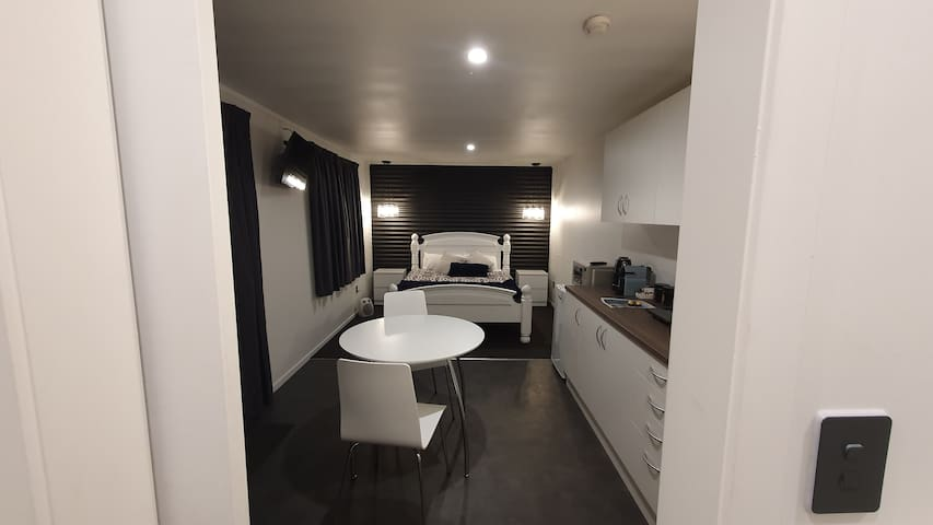 Hokowhitu Haven - quiet stay in the city!