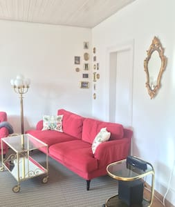 Cosy, bright apartment close to the Messeplatz. - Basel - Apartament