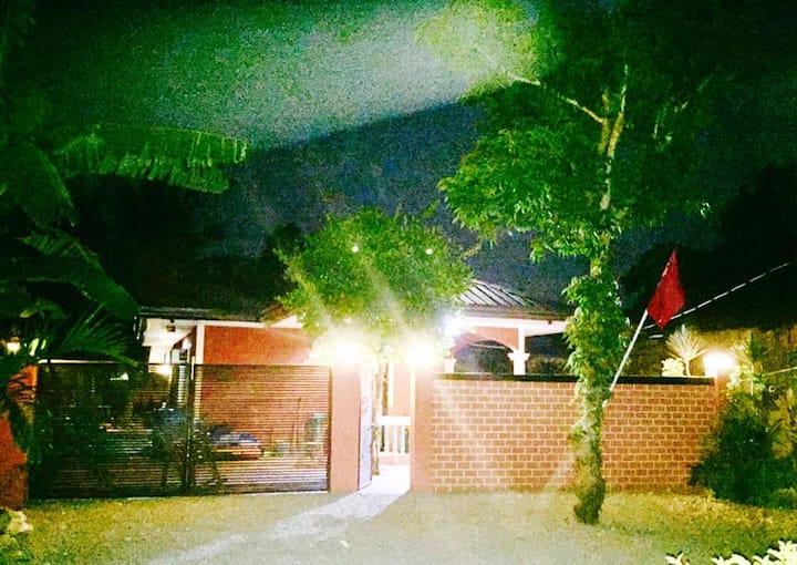 Lindstrom's Inn