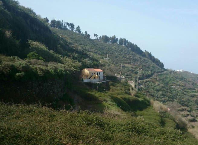 Magnífica casa en la montaña - valleseco  - Rumah