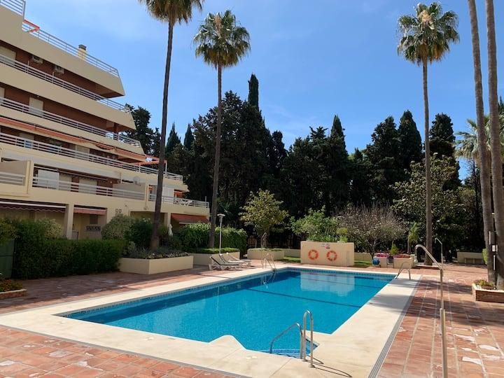 Parque Marbella 81C modern beachfront central WIFI