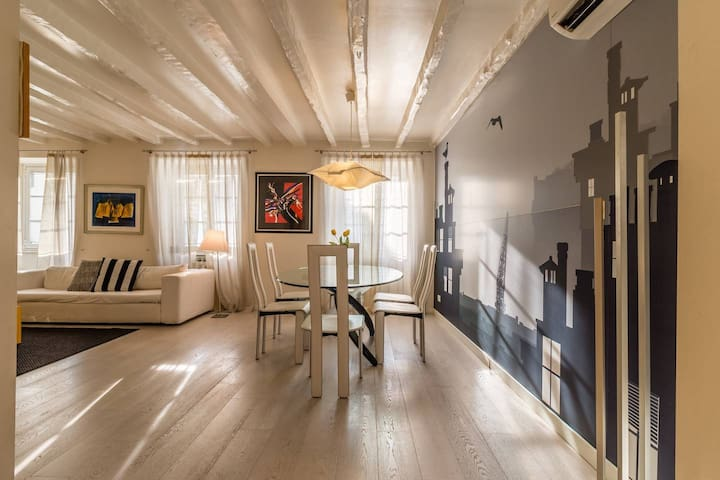 Letto Matrimoniale A Trieste.Trieste Italy Vacation Rentals Airbnb
