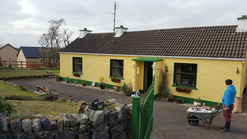 Beautiful authentic cottage idyllic rural setting - Ballyshannon - Other