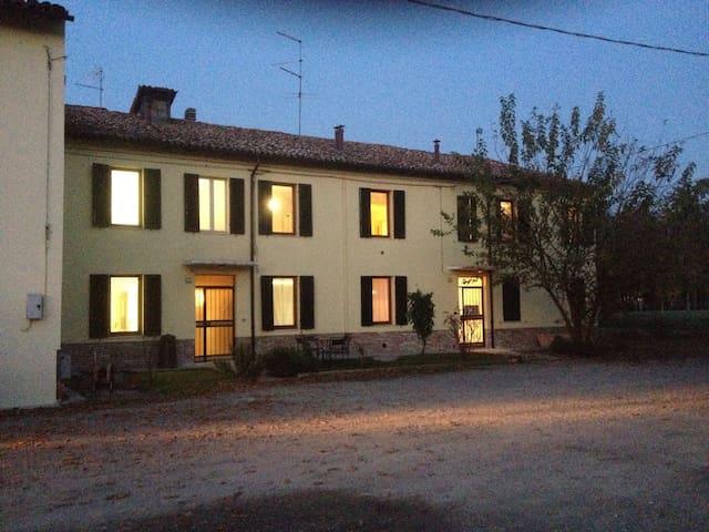 Casa di circa 500 mq - Sorbolo A Levante - Huis