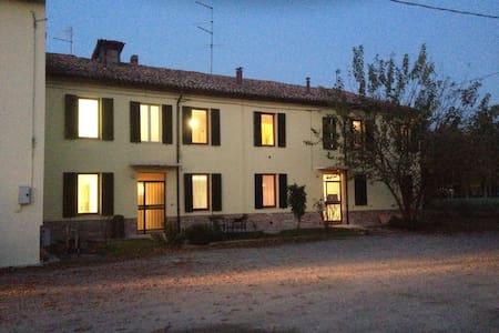 Casa di circa 500 mq - Sorbolo A Levante