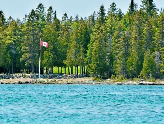 PRIVATE WATERFRONT HOME - LAKE HURON SOUTH SHORE