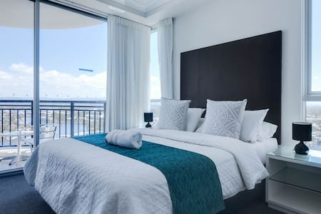 Chevron Renaissance Level 24 Ocean & River View - Surfers Paradise - Apartment
