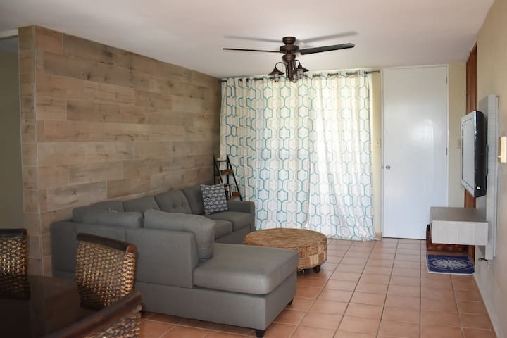 Lovely apartment close to beach with WIFI!
