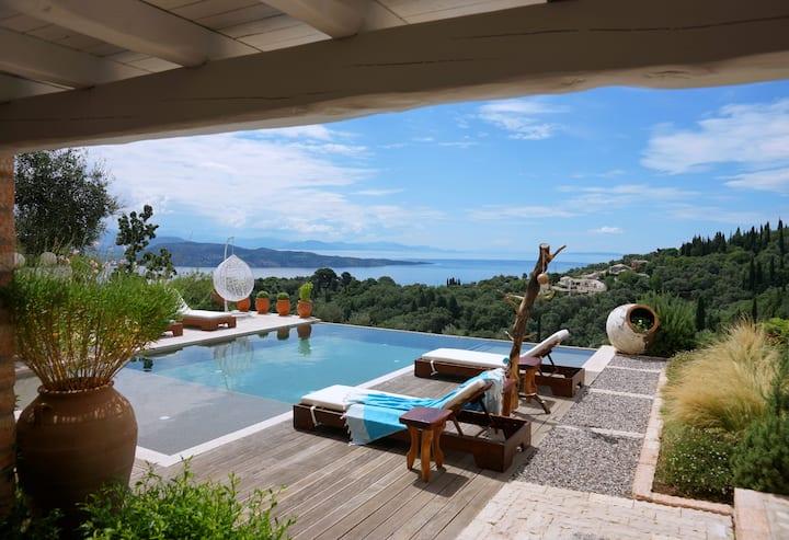 Stunning 3 Bedroom Sea View Luxury Villa in Sinies
