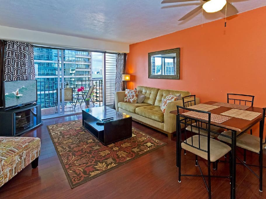 Cozy 2 Bedroom Waikiki Vacation Rental Unit Apartments For Rent In Honolulu Hawaii United States