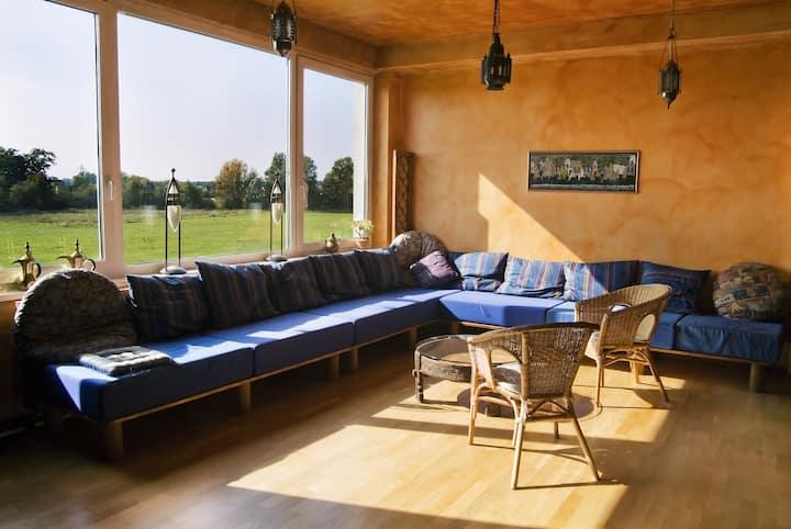 Schönes Studio zentral mit Blick ins Grüne