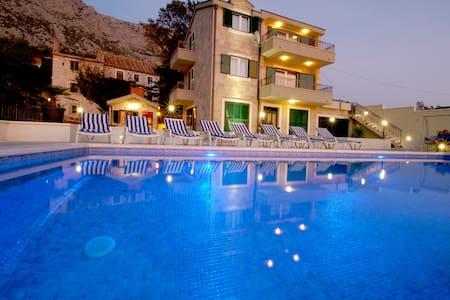 Old house -  Sunset on the pool - Tučepi - Villa