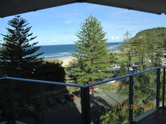 View of Burleigh Heads beach from the Apartment.