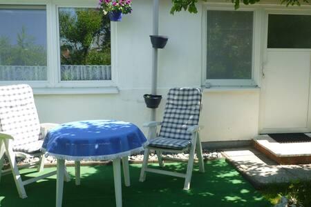 Kleine Ferienwohnung im Garten in Binz